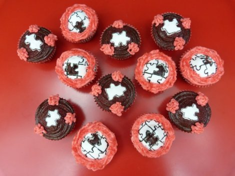 Missing Piece Valentine cupcakes
