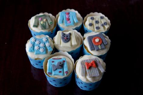 sweater cupcakes