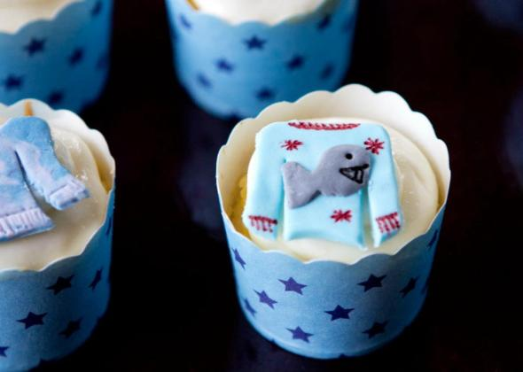 fish sweater cupcakes