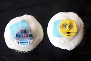 R2D2 C3PO cupcakes