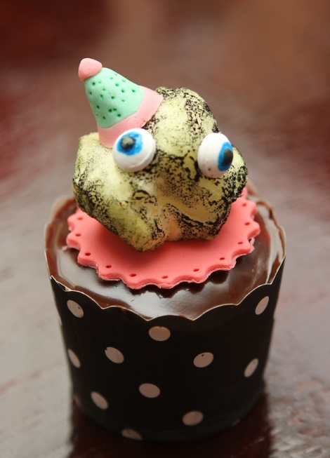 carbon particle cupcakes