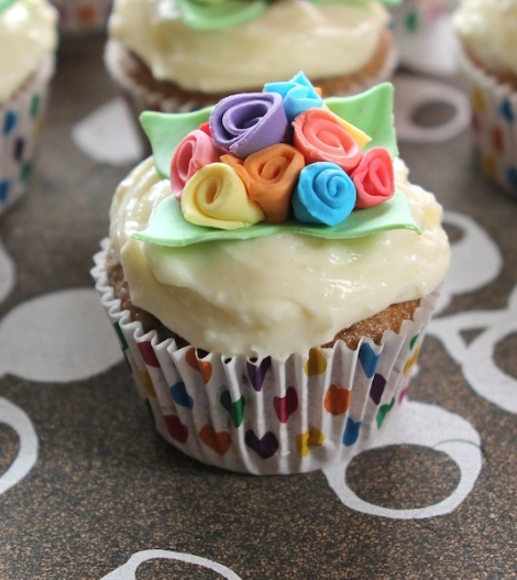 spring bouquet cupcakes