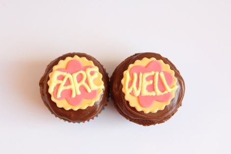 bye bye, good luck, farewell cupcakes