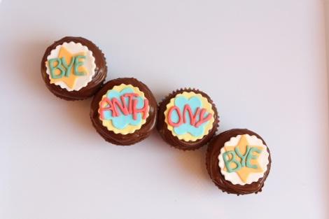 bye bye, good luck, farewell cupcakes