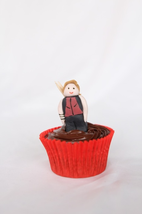 Hawkeye - The Avengers cupcakes by Cupcaketeer