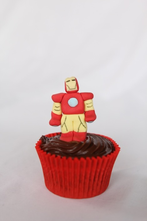 Ironman -The Avengers cupcakes by Cupcaketeer