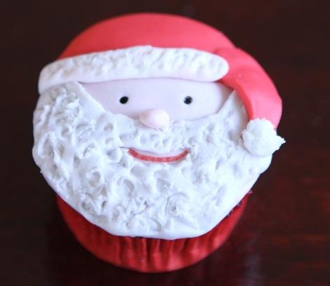 Santa cupcake by Cupcaketeer