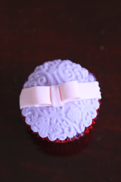 Gift cupcake by Cupcaketeer