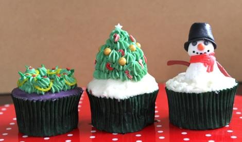 Xmas cupcakes by Cupcaketeer