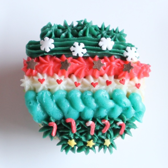 IMG_Xmas pattern cupcakes by Cupcaketeer6787