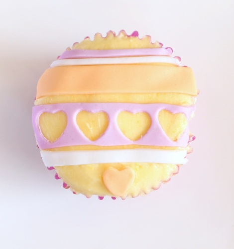 Cut out hearts cupcakes