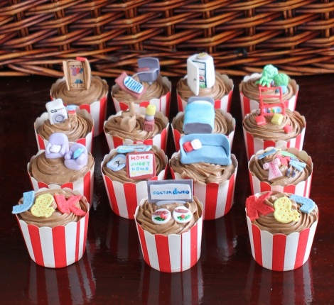 Housewarming cupcakes by Cupcaketeer.com