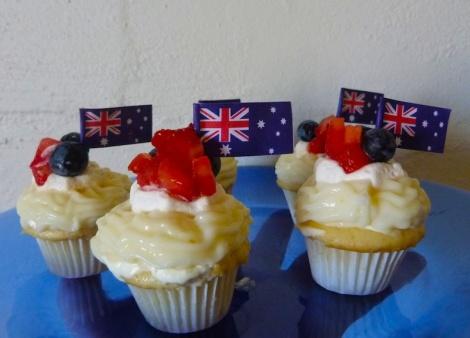 Pavlova cupcakes