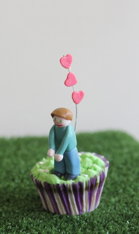 Valentine hug cupcakes