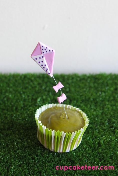 Kite cupcakes by cupcaketeer